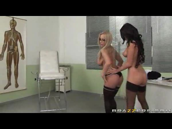 Naughty lesbians eating pussy in the doctor's office