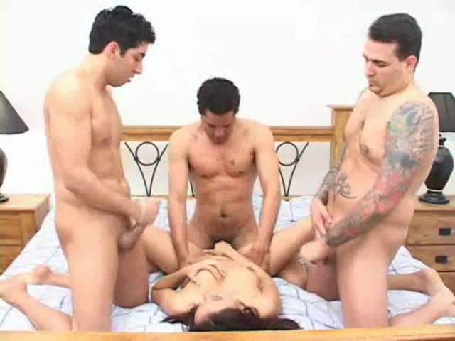 Latina in a double penetration foursome