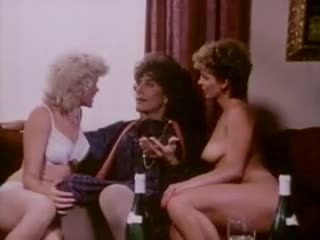 Retro lesbian sex and erotic threesome