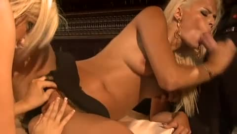 Sexy big tits bimbos laid in hot threesome