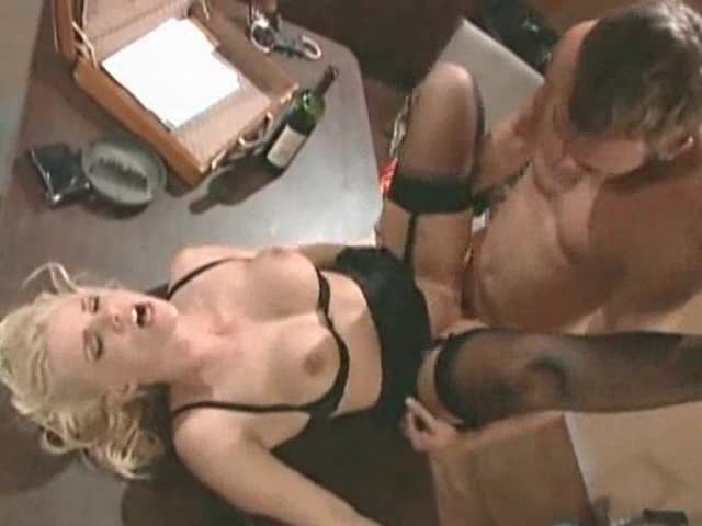 The prisoner has a big cock for the blonde