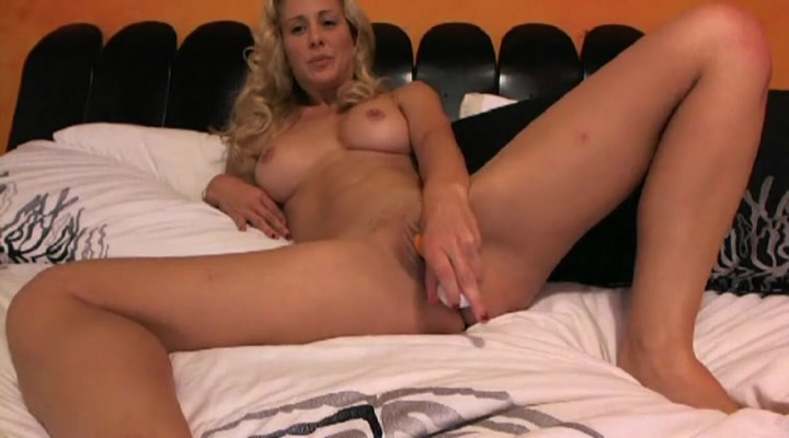 Dildo fills the wet pussy of Cherie Deville