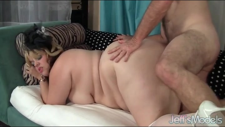 Plumper cunt is his favorite to fuck