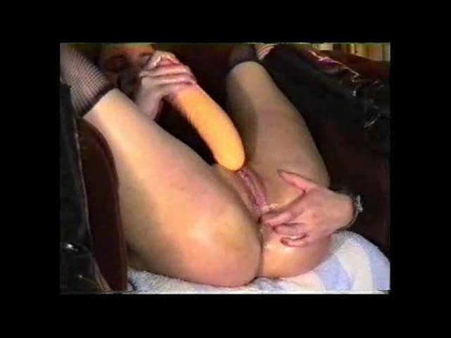 See her fisted and taking a huge toy