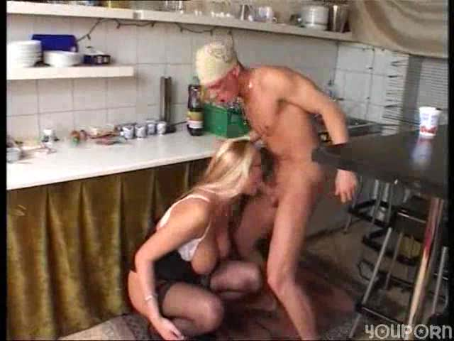 He fucks a hottie from behind in kitchen