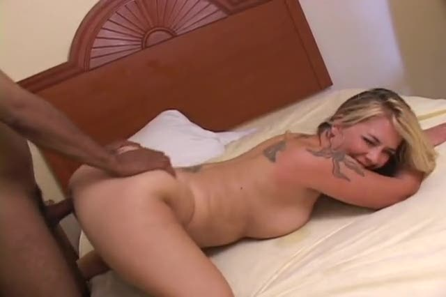 Tattooed milf given hot creampies